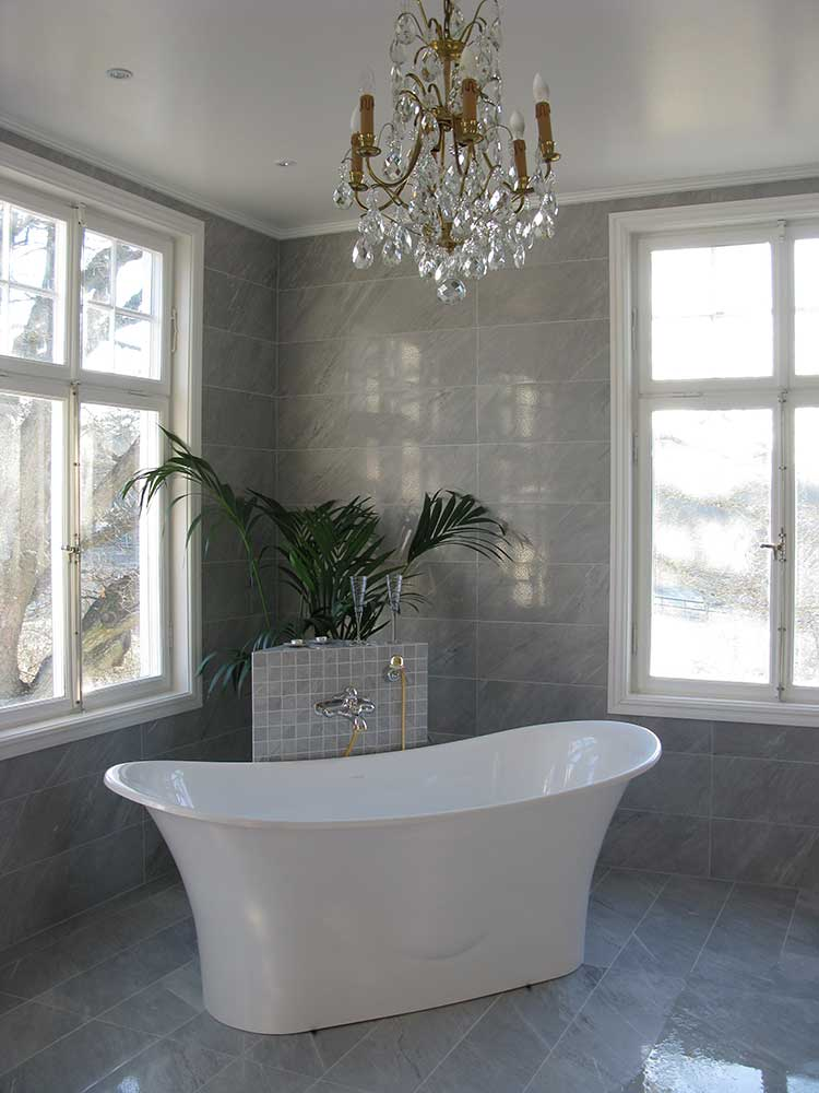 Signature bath supplied for Rastaborg Castle