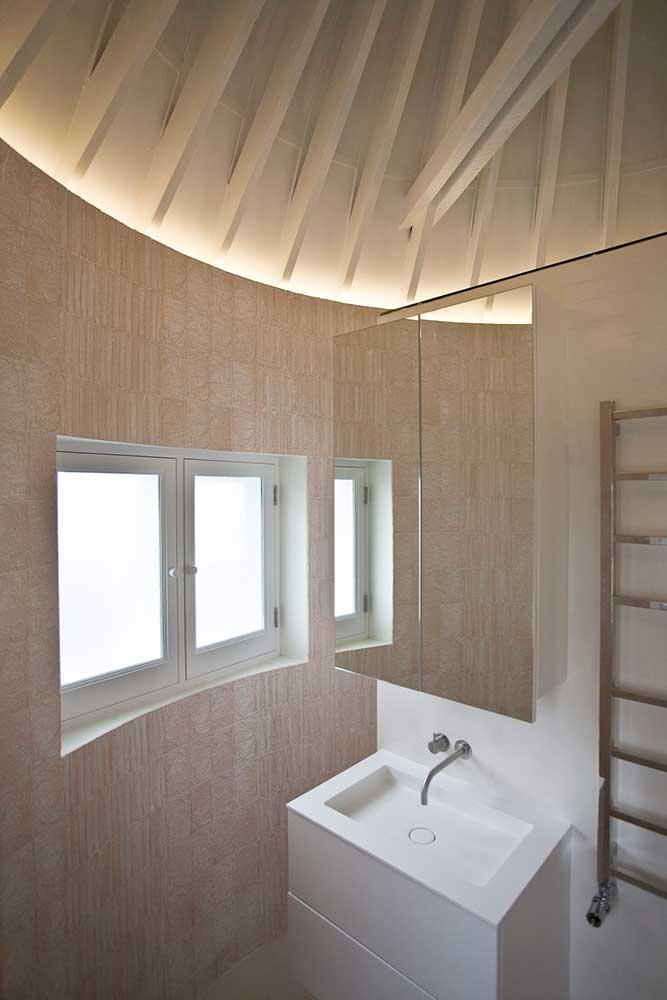 Airlie Gardens shower room
