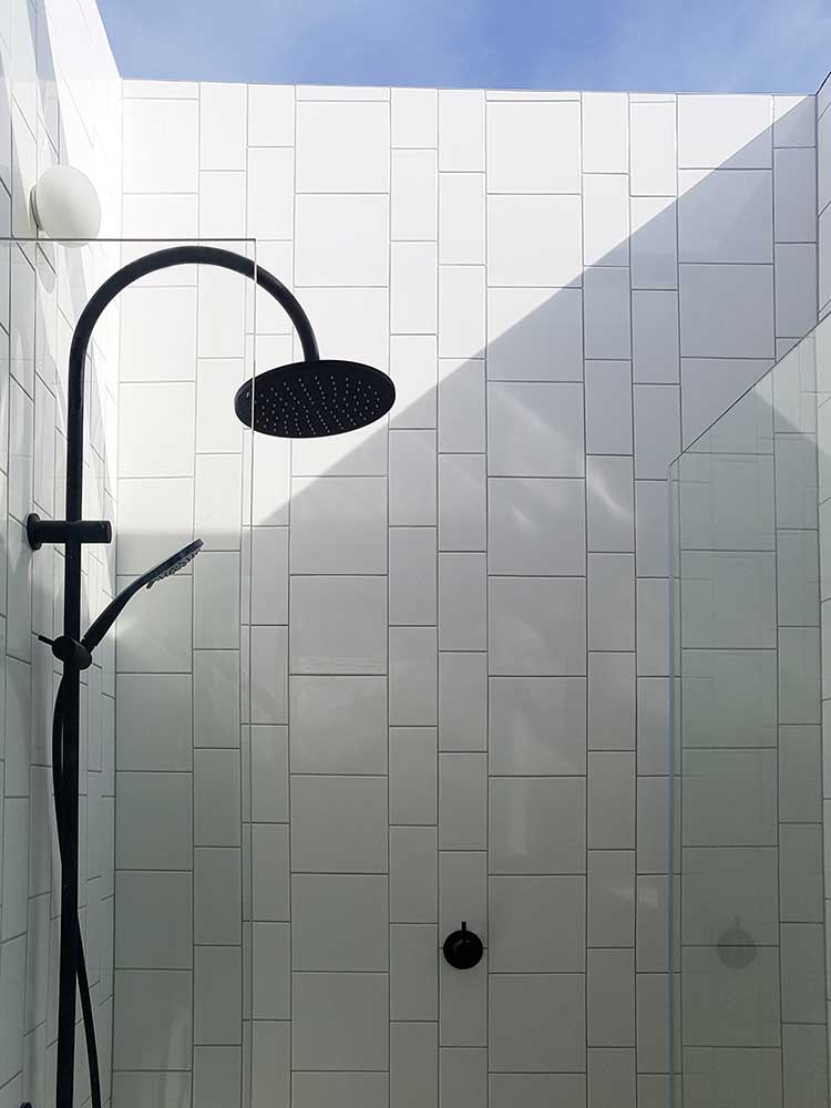 Dusheiko House ensuite shower room