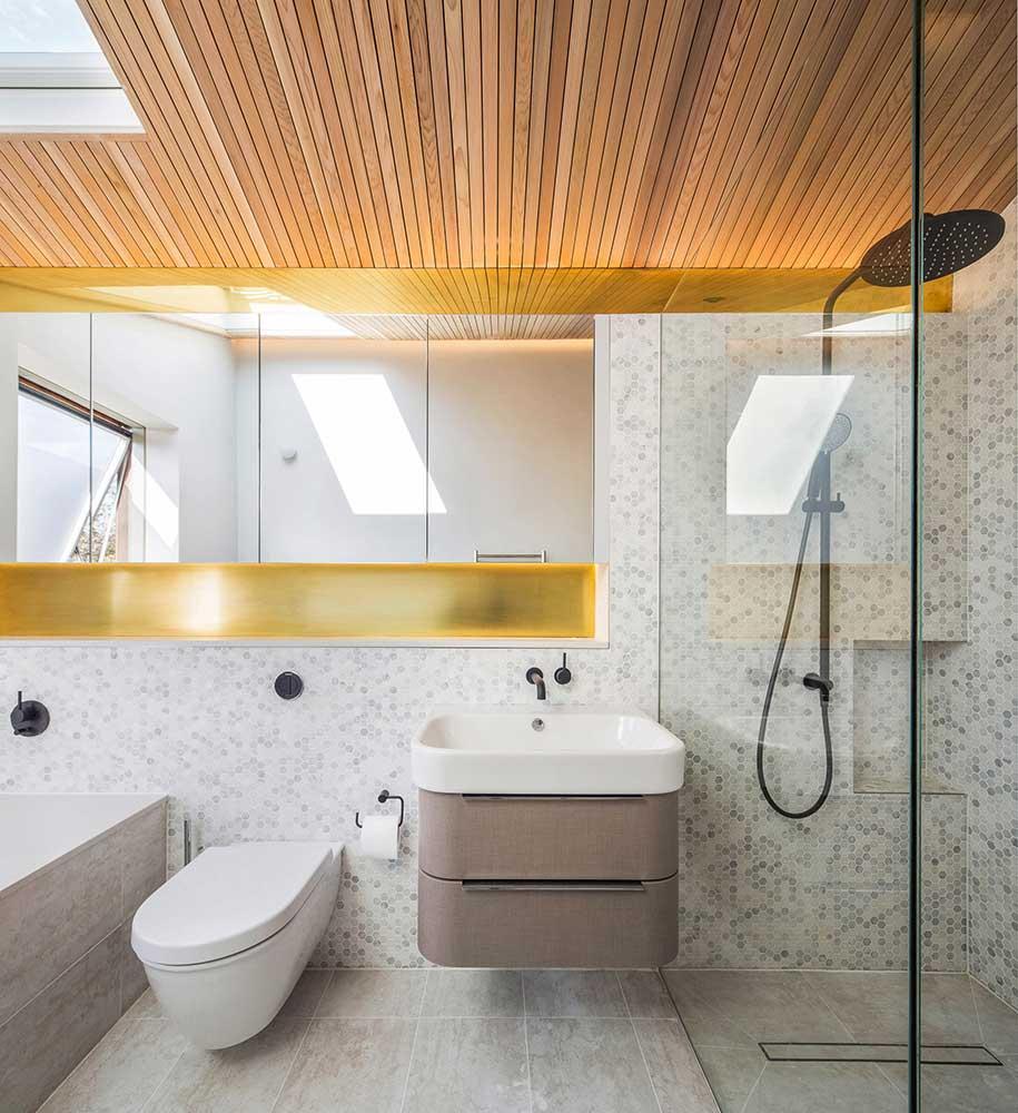 Dusheiko House Family Bathroom