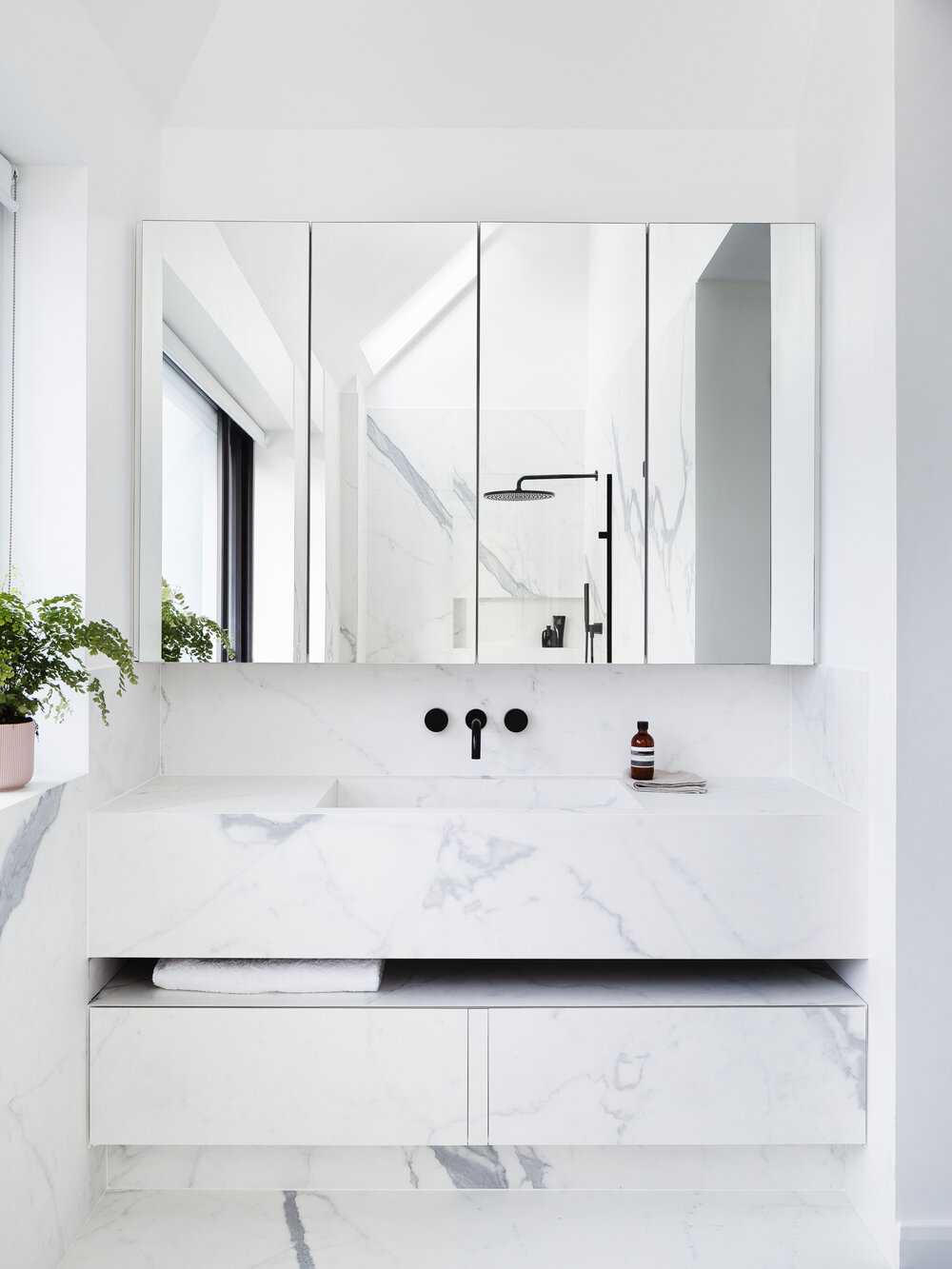 Ensuite Wetroom for Amog Goldreich Architects