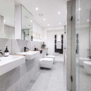 Bright Heights Bathroom 1