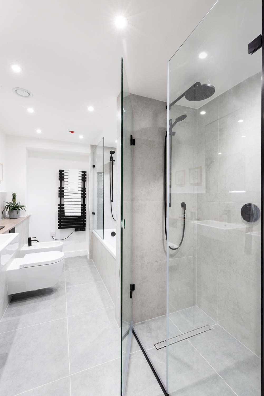 Bright Heights Bathroom 2