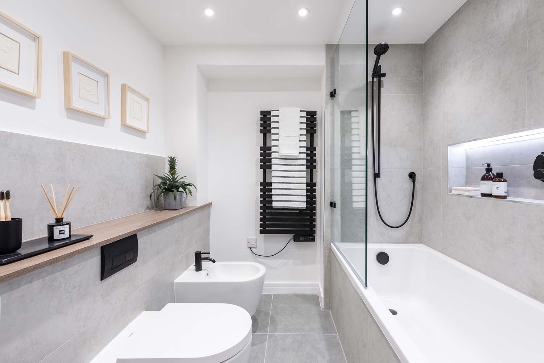 Bright Heights Bathroom 5