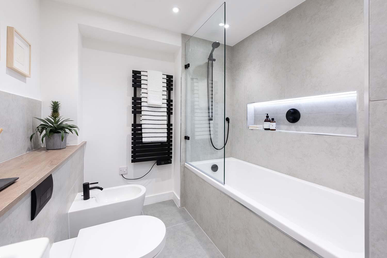 Bright Heights Bathroom 6